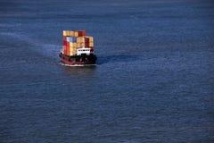 Klein containerschip royalty-vrije stock fotografie