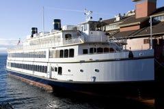 Klein cruiseschip Stock Afbeeldingen