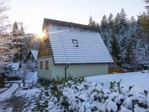 Klein dorp in de bergen Stock Fotografie