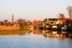 Klein dorp van Spanbroek, Noord-Holland, Nederland stock foto