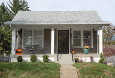 Klein Economisch Huis stock afbeeldingen