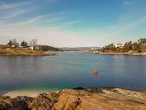 Klein eiland in de Fjord van Oslo stock foto's