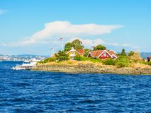 Klein eiland in de Fjord van Oslo, Noorwegen stock foto