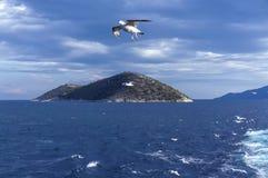 Klein eiland Thassopoula dichtbij aan Thassos in het noorden Egeïsche overzees Gre Stock Afbeeldingen