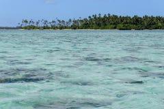 Klein eiland van de kust van Tongatapu-eiland in Tonga Stock Fotografie