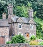 Klein Engels steenplattelandshuisje Royalty-vrije Stock Afbeeldingen