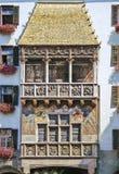 Klein gouden dak stock afbeelding