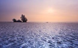 Klein landbouwbedrijf in de winter Stock Fotografie