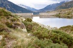Klein meer in de Pyreneeën Stock Afbeeldingen