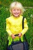 Klein meisje met zak royalty-vrije stock fotografie
