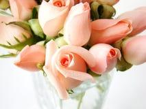 Klein roze rozenboeket stock afbeelding