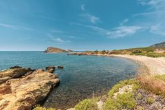 Klein strand bij Stomme in Corsica stock foto