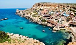 Klein visserijdorp op het Eiland Malta stock foto