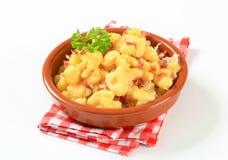 Kleine aardappelbollen met bacon en kool Royalty-vrije Stock Foto's