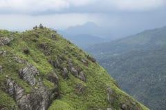 Kleine Adams-Spitze kurz vor Niederschlag, Ella, Sri Lanka Stockbilder
