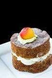 Kleine appelcake op witte plaat Stock Foto