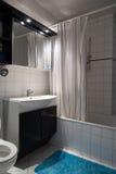Kleine badkamers Stock Afbeeldingen