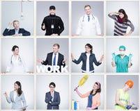 Kleine beelden van de jonge mens en vrouw in verschillend beroep Het dragen van specifieke het werkuniformen royalty-vrije stock foto's