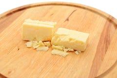Kleine Blöcke des Cheddar-Käses Lizenzfreies Stockfoto