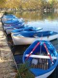 Kleine blaue Boote Lizenzfreie Stockfotografie