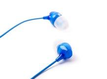 Kleine blauwe geïsoleerde hoofdtelefoons Stock Fotografie