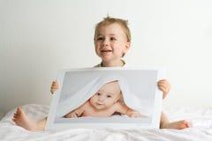 Kleine blonde Jungen Stockfoto