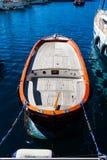 Kleine boot in haven Stock Foto
