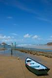 Kleine boot op een Strand Stock Foto