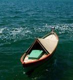 Kleine boot op het water Royalty-vrije Stock Foto