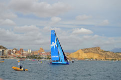Kleine Boote Team Vestas Wind Surrounded Bys Lizenzfreie Stockfotografie