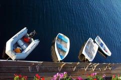 Kleine boten stock afbeeldingen