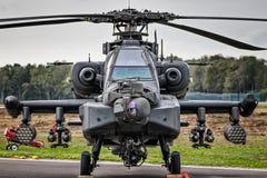 KLEINE BROGEL, BELGIË - 8 sep, militaire Apache-aanvalshelikopter stock foto