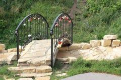 Kleine brug aan de jonggehuwden Royalty-vrije Stock Fotografie