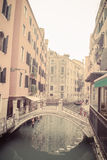 Kleine brug in Venetië royalty-vrije stock afbeelding