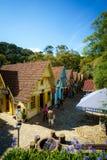 Kleine bunte Gebäude in Monte Verde, Brasilien lizenzfreie stockfotos