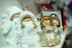 Kleine ceramische herinneringenstuk speelgoed engelen Royalty-vrije Stock Afbeeldingen