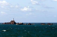 Kleine eilanden in de oceaan Stock Foto's