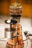Kleine elektrische Kaffeemaschine Kochendes Gerät des Küchenhaushalts stockbilder