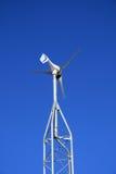 Kleine elektrische Windmühle Stockfotografie