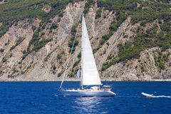 Kleine en grote boot Stock Fotografie