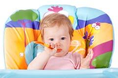Kleine etende baby Royalty-vrije Stock Fotografie
