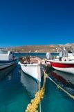 Kleine Fischerboote auf dem Ägäischen Meer Stockbilder