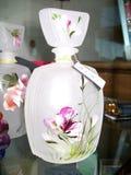 Kleine fles artistiek glas voor parfums en essentie royalty-vrije stock foto's