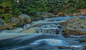 Kleine Flussfälle Stockfotos