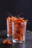 Kleine Garnele (Krebstiere) in einem Glas lizenzfreie stockfotografie