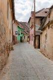 Kleine Gasse in Sibiu Rumänien Stockfotografie