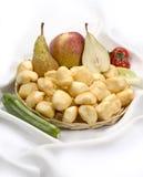 Kleine geräucherte scamorzas - italienischer Kuhmilch Käse Stockbild