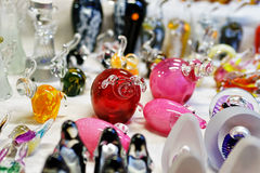Kleine Glaszahlen am Riga-Weihnachtsmarkt klemmen fest Stockbilder