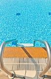 Kleine golven in de pool Royalty-vrije Stock Fotografie