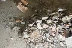 Kleine Grabung auf einer Baustelle lizenzfreies stockbild